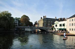 ケンブリッジを流れる川の写真素材 [FYI02036963]