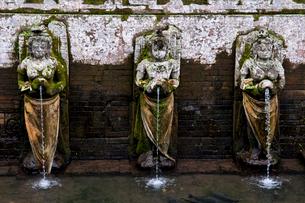 ゴアガジャ遺跡の沐浴場の写真素材 [FYI02038364]