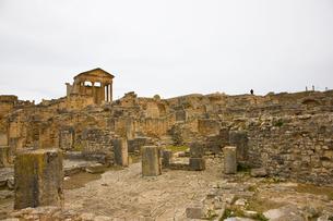 ドゥッガの遺跡の写真素材 [FYI02038823]