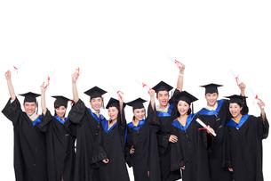 卒業式を迎えた学生の写真素材 [FYI02039838]