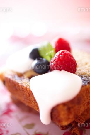 パウンドケーキのアップの写真素材 [FYI02043019]