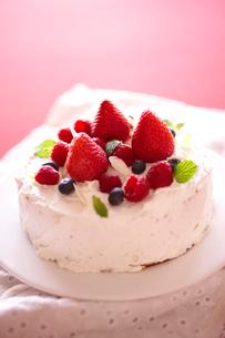 デコレーションケーキの写真素材 [FYI02043349]