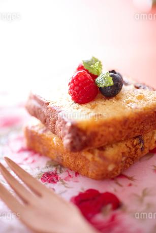 パウンドケーキの写真素材 [FYI02043658]