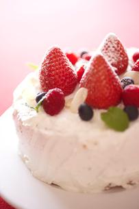 デコレーションケーキのアップの写真素材 [FYI02043903]