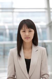 ビジネス 女性ポートレートの写真素材 [FYI02043991]