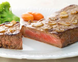 ステーキの写真素材 [FYI02044045]