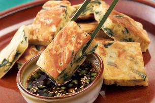 韓国料理 チヂミの写真素材 [FYI02044089]