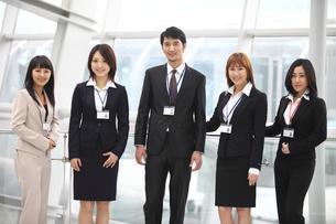 ビジネス男女5人の写真素材 [FYI02044508]