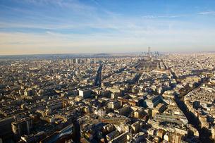 パリの街並み エッフェル塔 ランドマークの写真素材 [FYI02045198]
