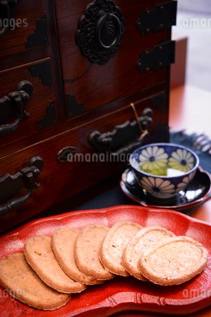 クッキーとお茶の写真素材 [FYI02045536]