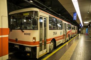 立山トンネルトロリ-バスの写真素材 [FYI02046149]