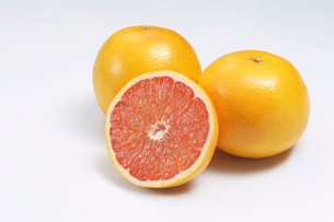 ルビーグレープフルーツの写真素材 [FYI02048294]