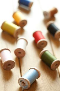 カラフルな糸の写真素材 [FYI02048295]