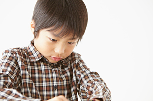 勉強する男の子の写真素材 [FYI02048508]