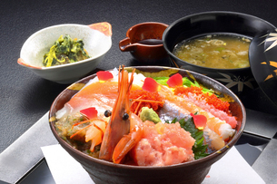 海鮮丼の写真素材 [FYI02048984]