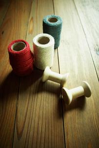 糸と糸巻きの写真素材 [FYI02049362]