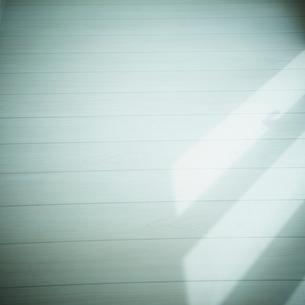 フローリングと日差しの写真素材 [FYI02049441]