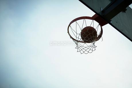 バスケットボールのゴールの写真素材 [FYI02049478]