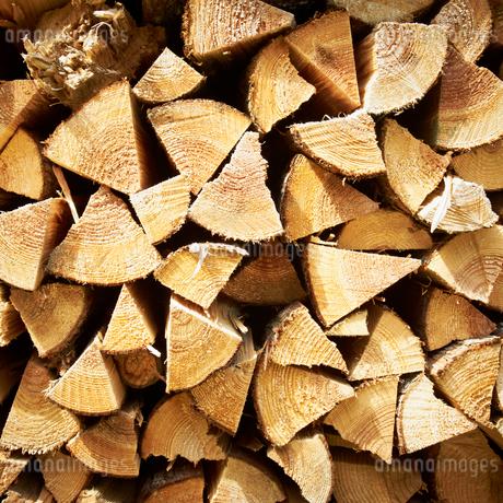 積んだ薪の写真素材 [FYI02050268]
