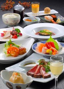 和食のコース料理の写真素材 [FYI02050750]