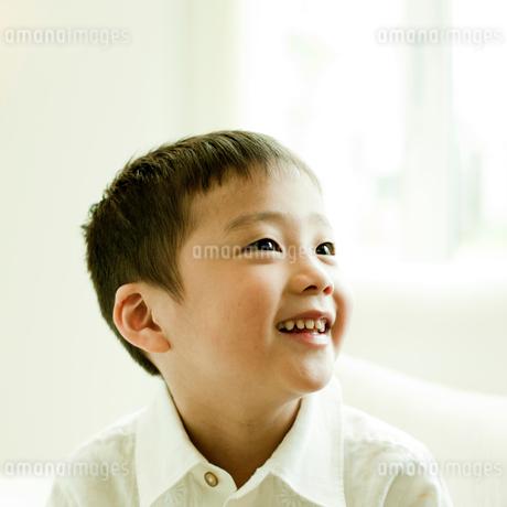 笑顔の男の子の写真素材 [FYI02051486]