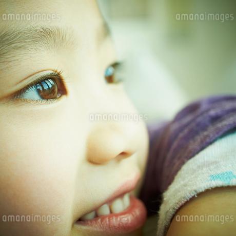 女の子の横顔の写真素材 [FYI02051489]