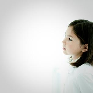 女の子の横顔の写真素材 [FYI02051592]