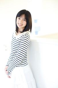 笑顔の女の子の写真素材 [FYI02052577]