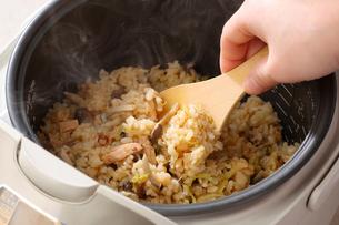 炊き込みご飯の写真素材 [FYI02052580]