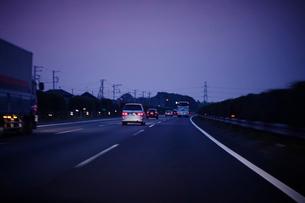 夕暮れの首都高の写真素材 [FYI02052612]
