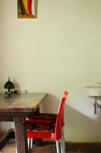 テーブルと椅子の写真素材 [FYI02054120]