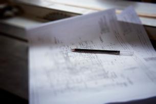 設計図と鉛筆の写真素材 [FYI02054147]