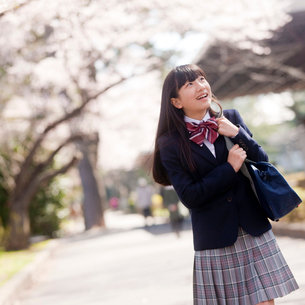 笑顔の女子中学生の写真素材 [FYI02054544]