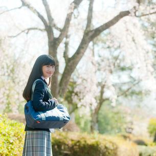 女子中学生の写真素材 [FYI02054730]