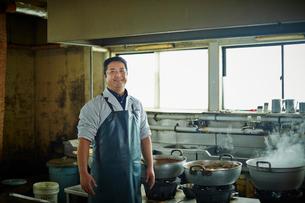 調理場の店員の写真素材 [FYI02055928]