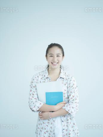 女子大生のポートレートの写真素材 [FYI02058173]