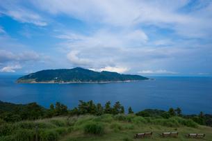 牡鹿半島から望む金華山の写真素材 [FYI02058318]