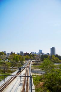 仙台市地下鉄東西線と街並み 宮城県の写真素材 [FYI02059019]