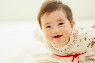 笑顔の赤ちゃんの写真素材 [FYI02059952]