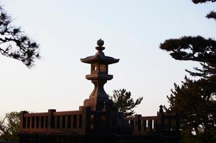 日和山公園の常夜灯 山形県の写真素材 [FYI02060416]
