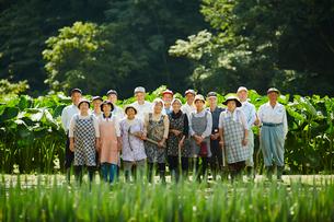 農家の人々集合の写真素材 [FYI02060437]