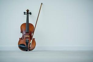バイオリンの写真素材 [FYI02060469]