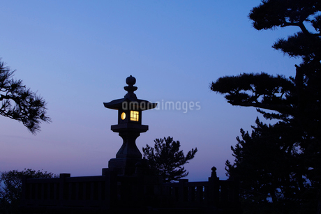 日和山公園の常夜灯 山形県の写真素材 [FYI02060616]