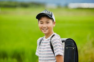 小学生の男の子ポートレートの写真素材 [FYI02060927]