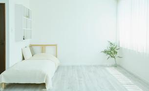 ベッドルームの写真素材 [FYI02061518]