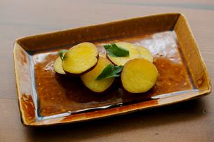 焼きサツマイモの写真素材 [FYI02061605]