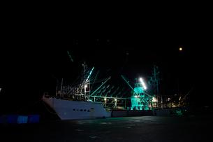 震災後のさんま漁の漁船 宮城県の写真素材 [FYI02061852]