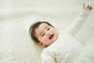 笑顔の赤ちゃんの写真素材 [FYI02062612]