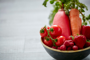 赤い野菜と果物の写真素材 [FYI02064689]