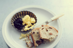 パンとバターの写真素材 [FYI02065840]
